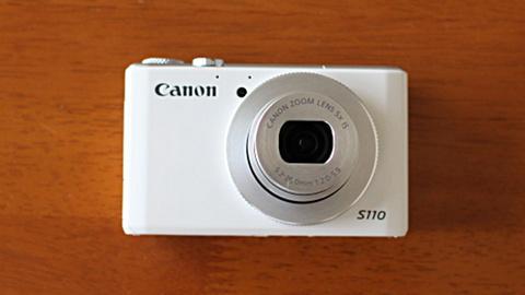 カメラ12